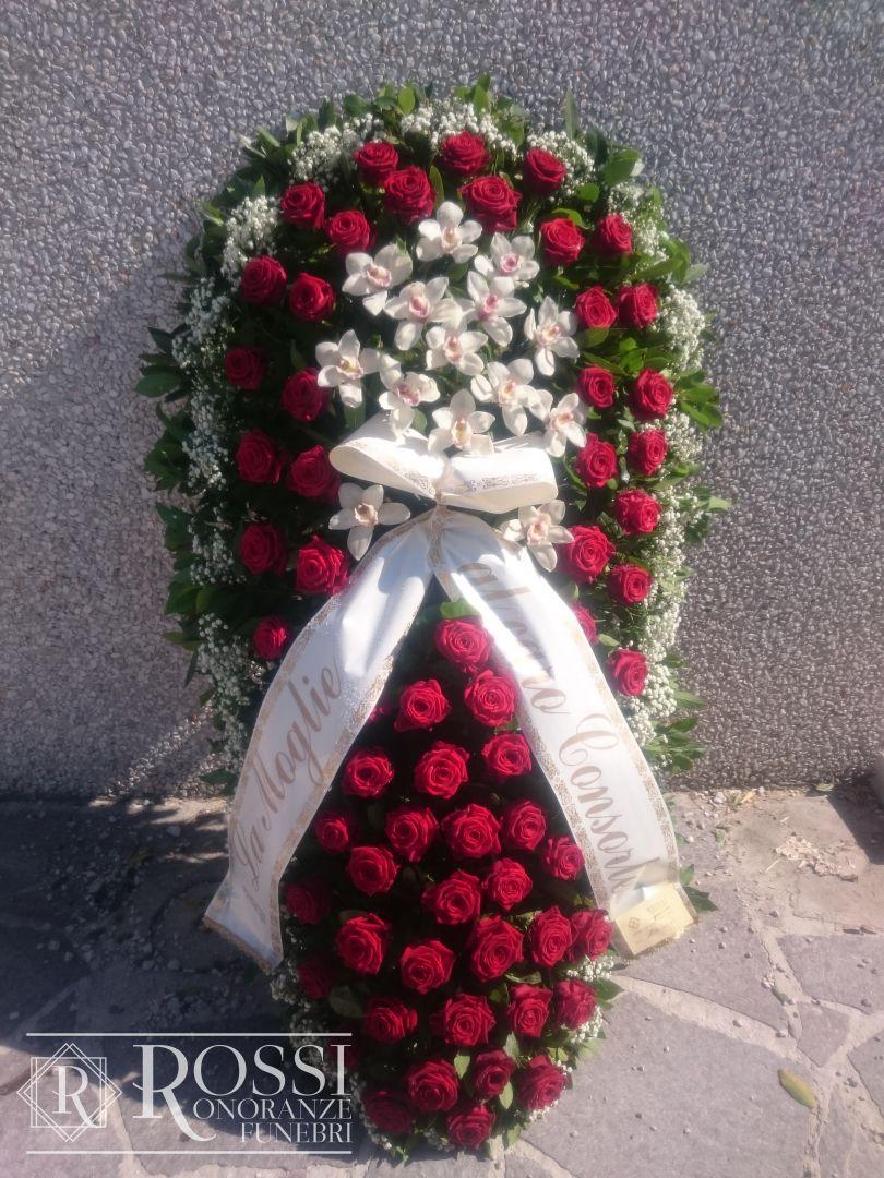 copricassa-rose-rosse-e-orkidee-1507548365756
