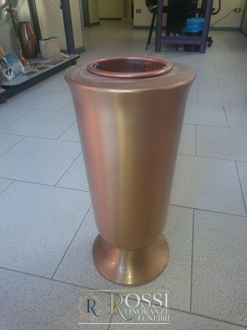 vaso-a-terreno-bronzo-1508166131348